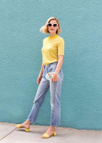 yellow tee street style